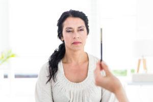 https://www.logpateth.fr/Therapie/wp-content/uploads/2019/09/photodune-11235976-woman-being-hypnotized-on-white-background-m-300x200.jpg